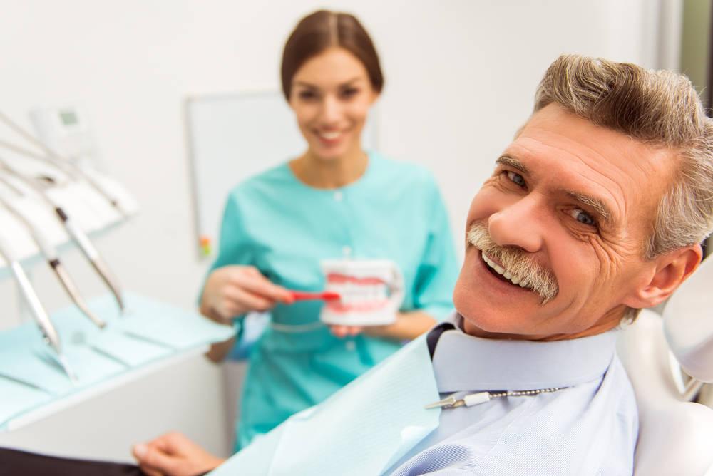 Hablemos de implantes dentales