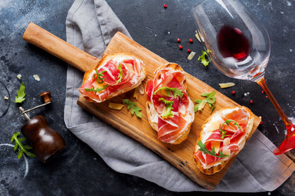Deléitate con las ferias de jamón más famosas de España